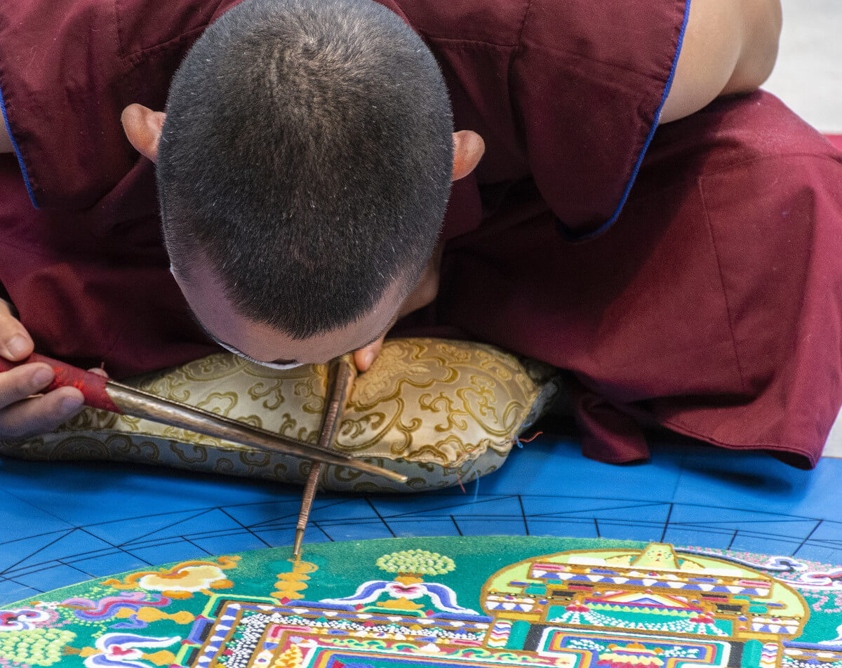 mandala art tibétain sable coloré